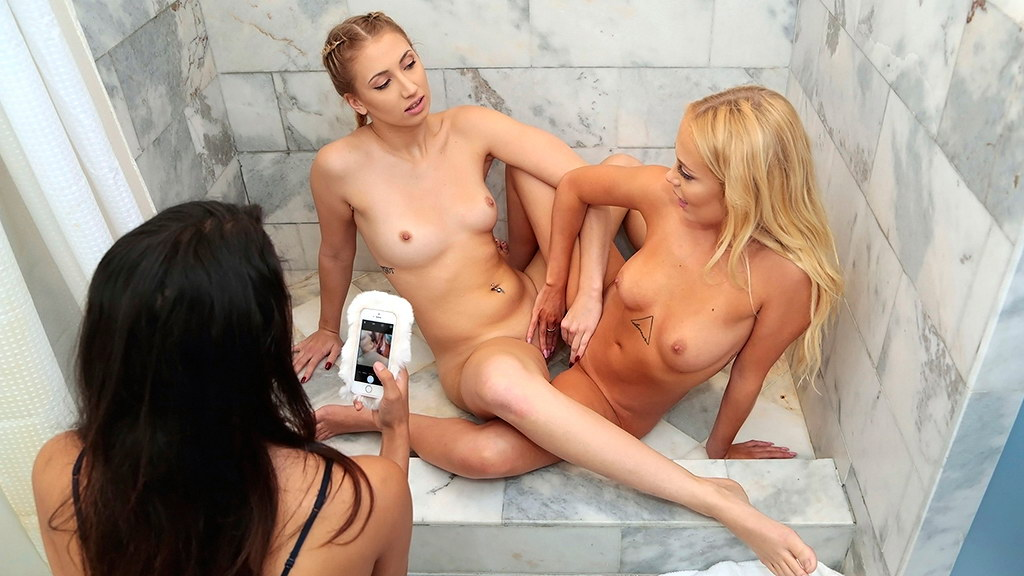 Sexy naked lesbian